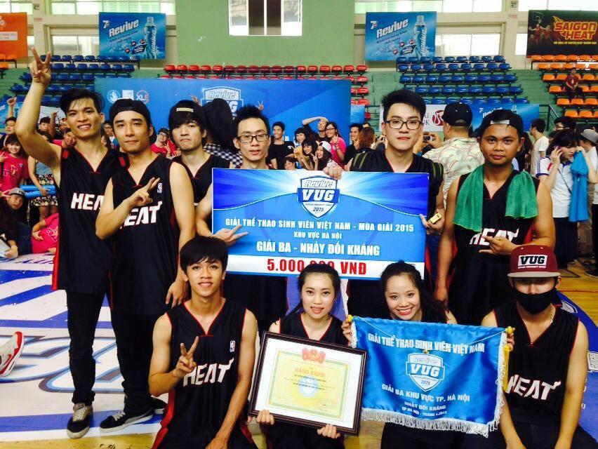 [ Đoàn TN] ĐH Phương Đông đạt Giải Ba - nội dung Dance battle của VUG Hà Nội  2015