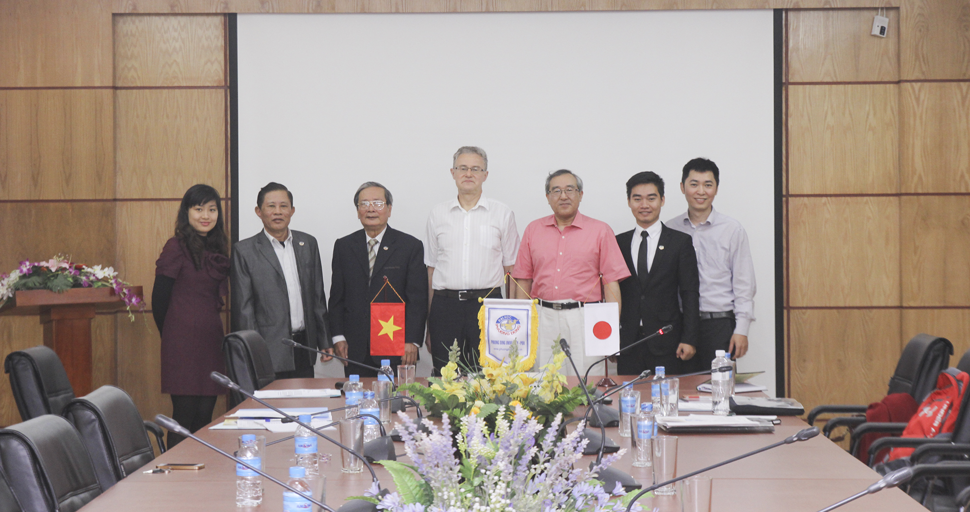 (HTĐT) Trường Đại học Niigata thăm và làm việc với trường Đại học Phương Đông