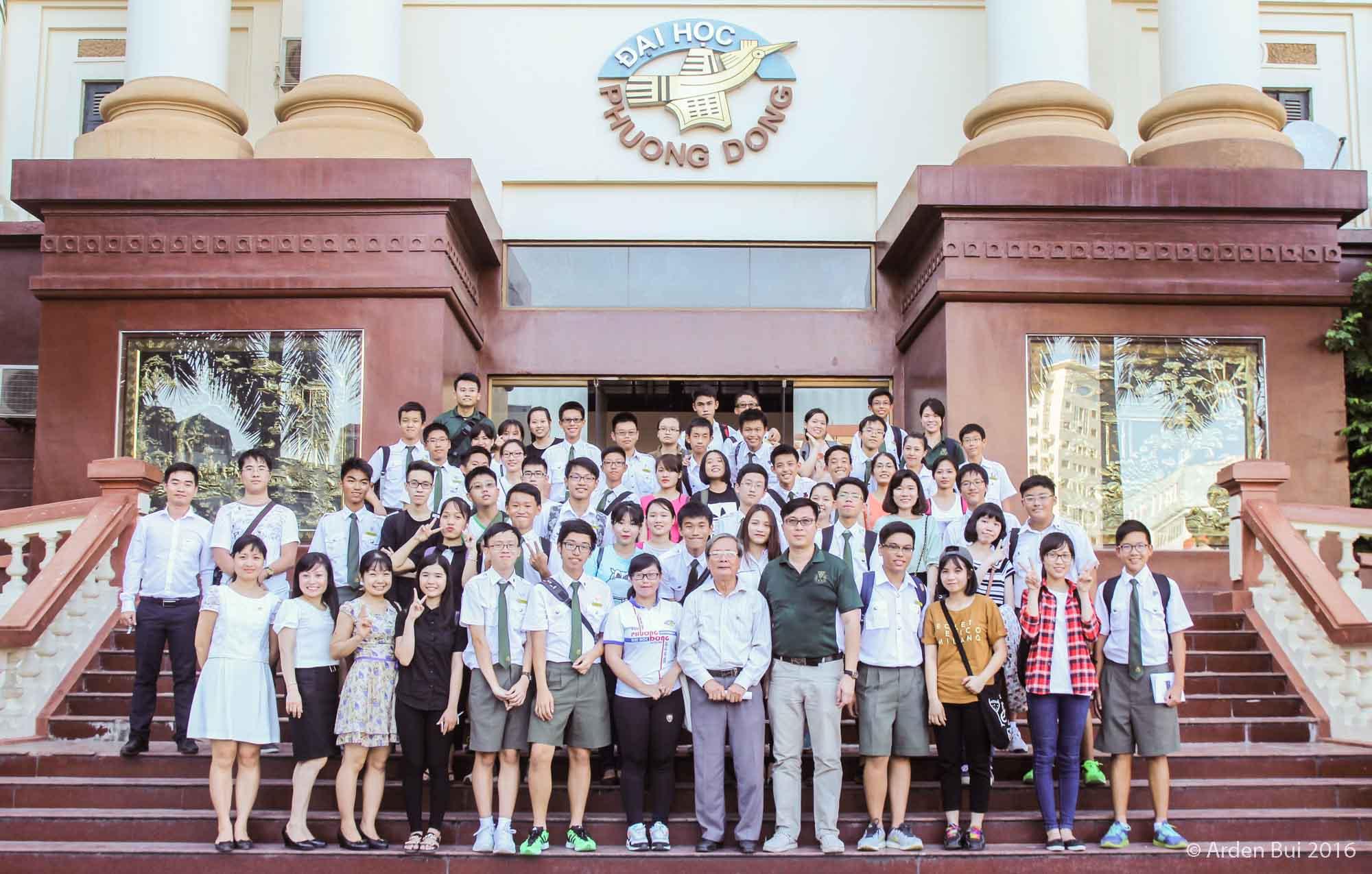 (HTĐT) Học sinh Trường Phổ thông Catholic (Singapore) thăm và giao lưu với sinh viên Trường Đại học Phương Đông
