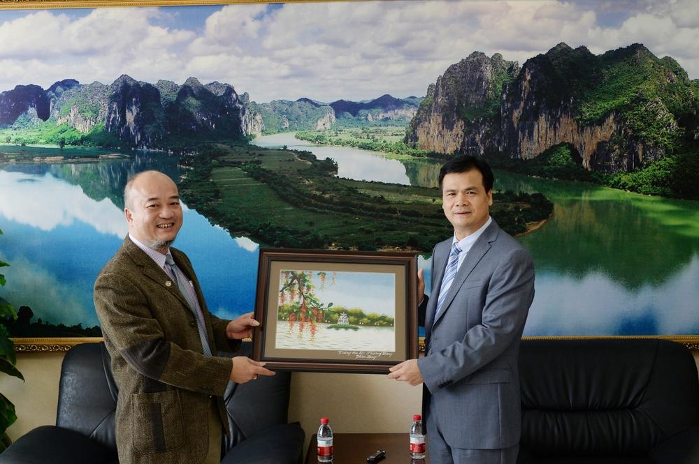 (HTĐT) Bí thư Đảng ủy Trần Anh Vũ thăm Học viện Sư phạm Dân tộc Quảng Tây (Trung Quốc)