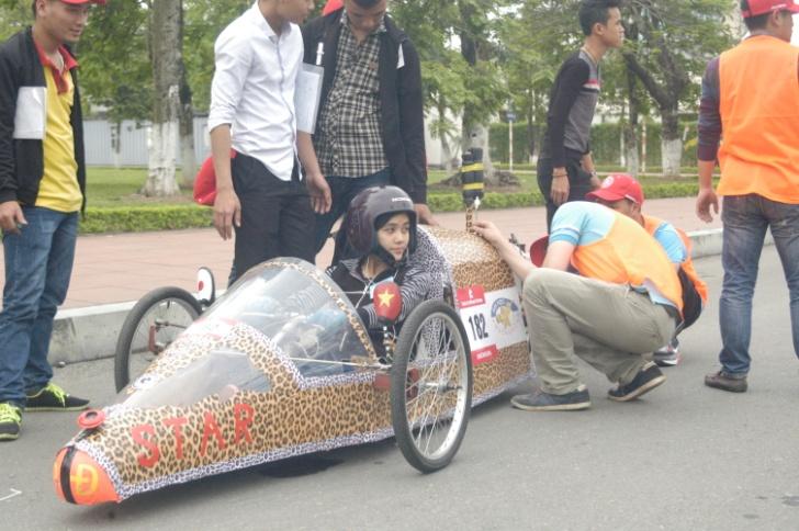 [video] Phóng sự tổng hợp cuộc thi Lái xe sinh thái tiết kiệm nhiên liệu Honda EMC 2015 của Honda Việt Nam