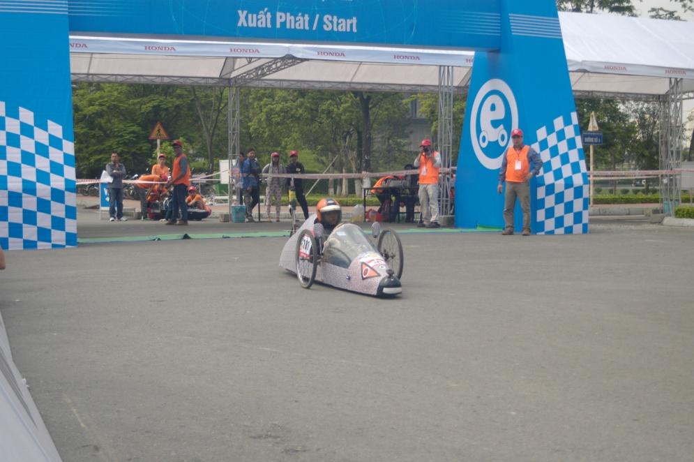 [Khoa Điện - Cơ điện tử] Honda EMC Phương Đông tham dự cuộc thi