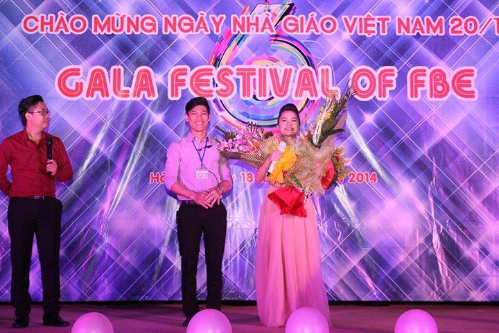 (CNSH)-Ca sĩ Đoàn Thúy Trang hâm nóng Gala Festival of FBE 2014